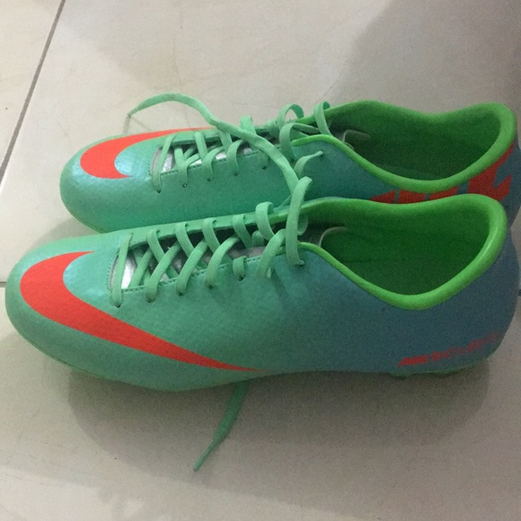nike soccer shoes outdoor